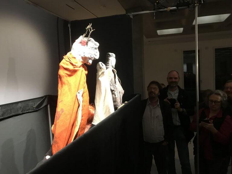 Nach der Vorstellung kamen Publikum und Puppen direkt in Kontakt.